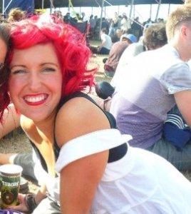 Shelley_Pengilly_milk_shake_glastonbury_festival_hair
